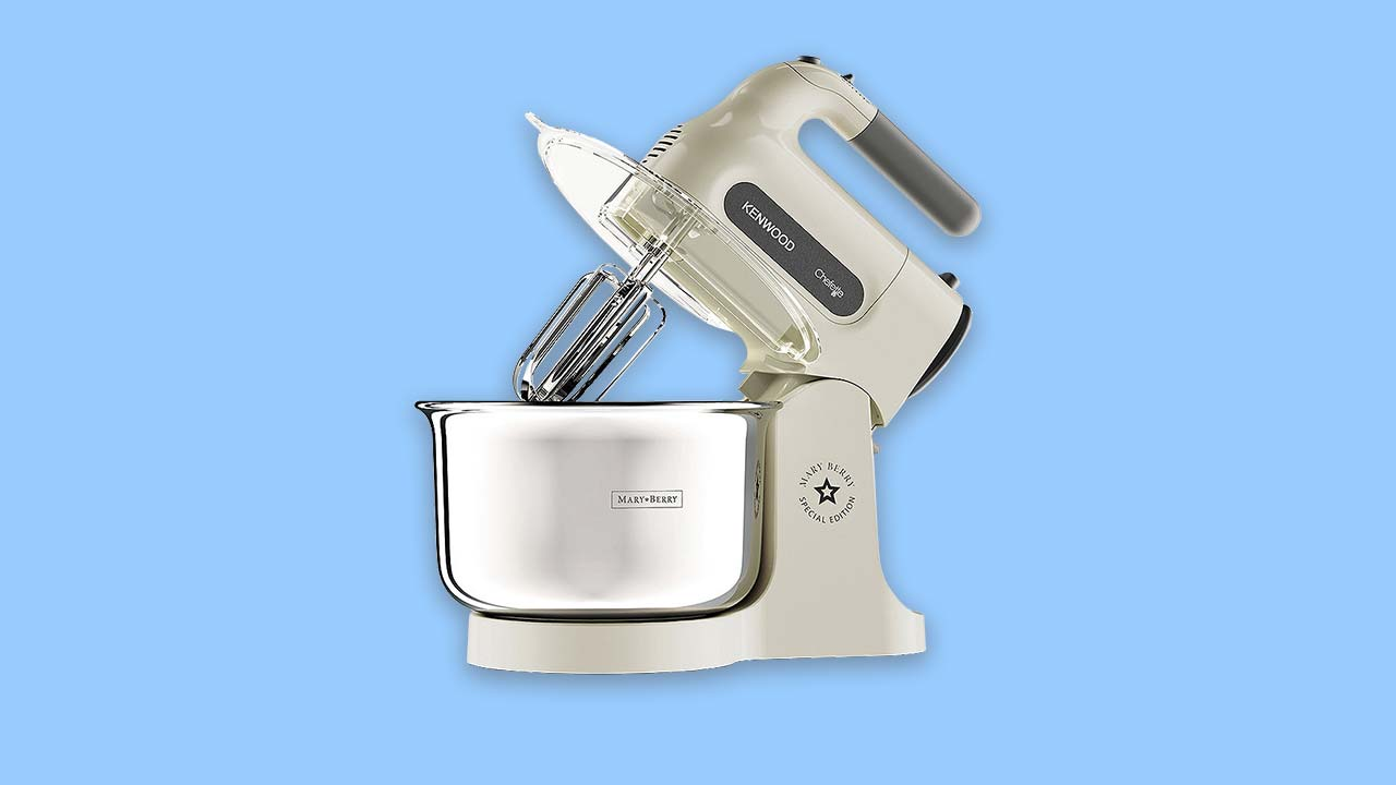 Kenwood Chefette cream affordable stand mixer with chrome bowl. HM680CR UK