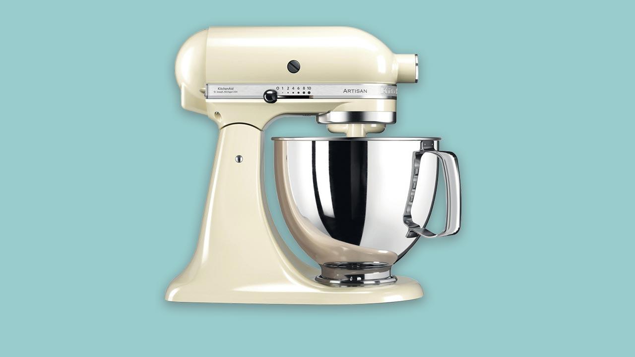KitchenAid 4.8 Litre Artisan Stand Mixer 5KSM125 (Almond Cream). As seem on the Great British Bake-off.