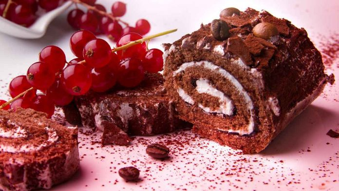 Chocolate cake (Swiss roll) made with the best stand mixer.