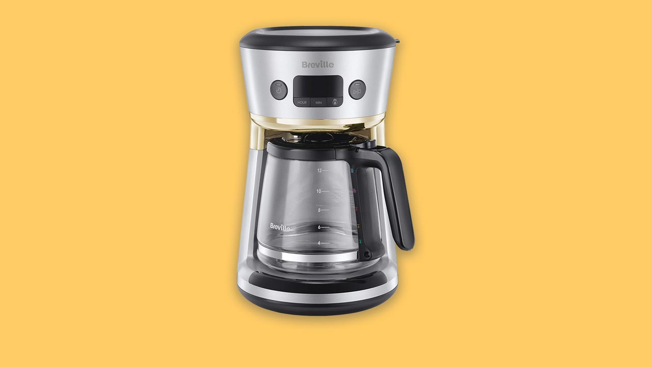 Large filter coffee machine with water filter and timer