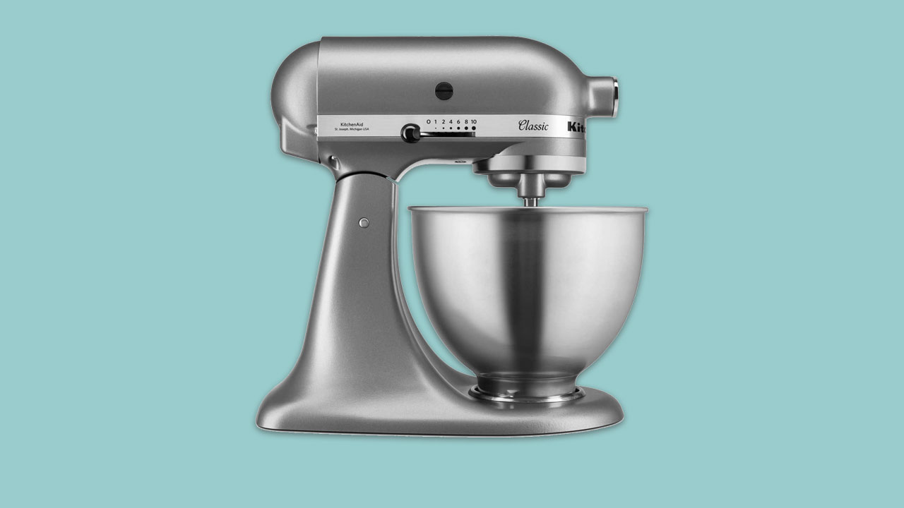 kitchenaid classic stand mixer in silver with 4.3 litre bowl
