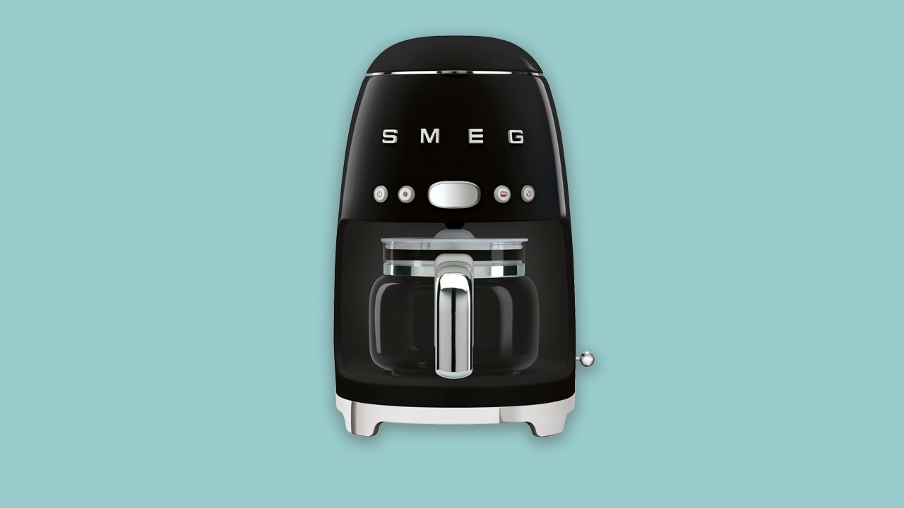 Smeg drip brew filter coffee machine with timer and glass jug. Black design six colours available