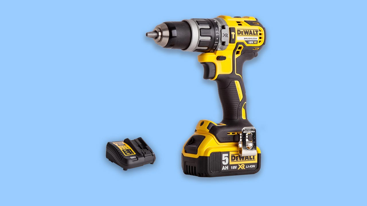 best combi drill dewalt dcd796 with 5AH battery and charger