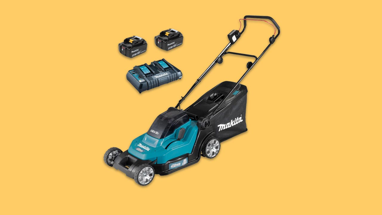battery makita lawn mower recommended for medium and large uk gardens with 2 5Ah batteries and twin charger